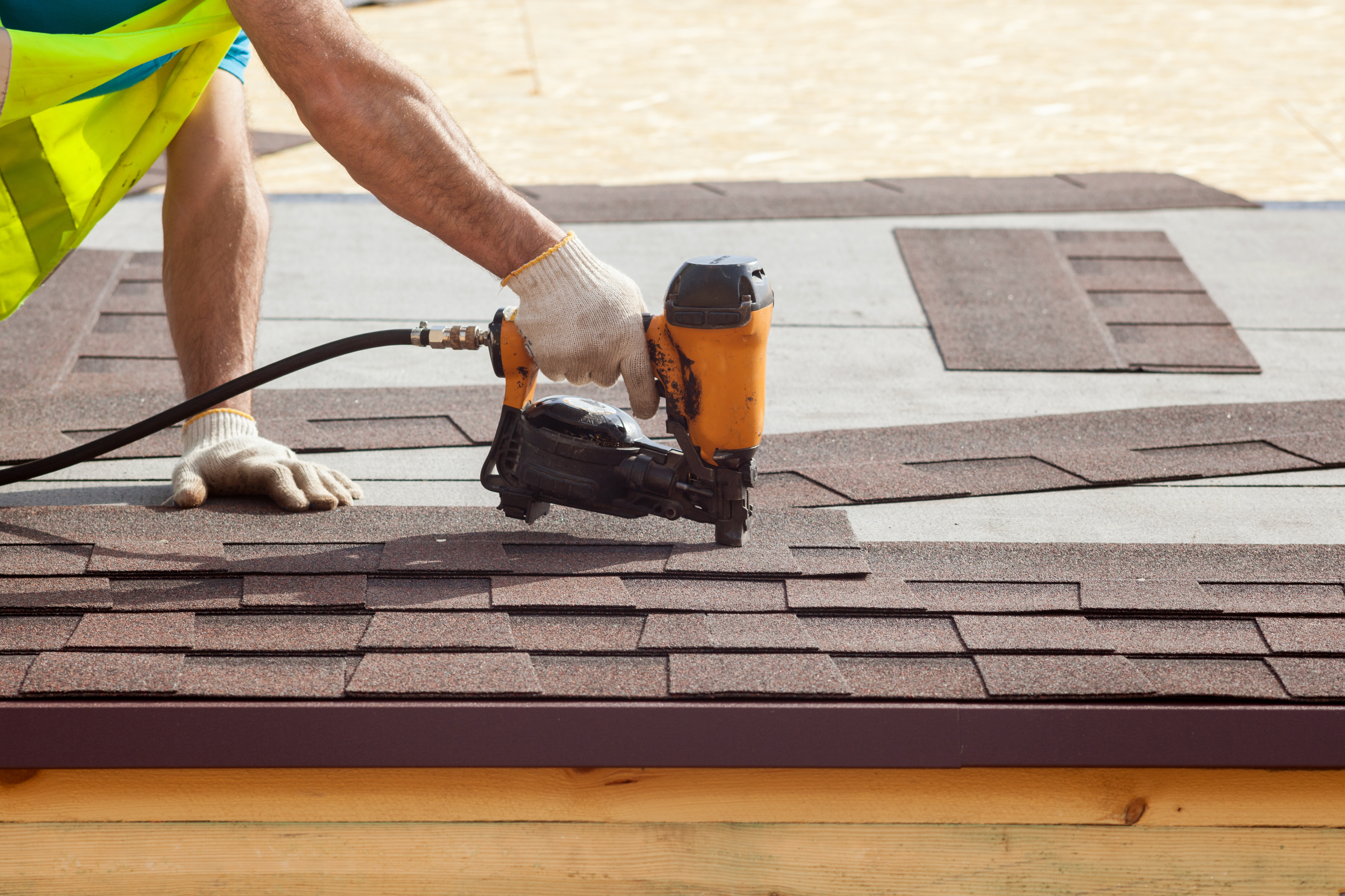 Welland Roofing - Why Should You Work With Professional Roofers Only